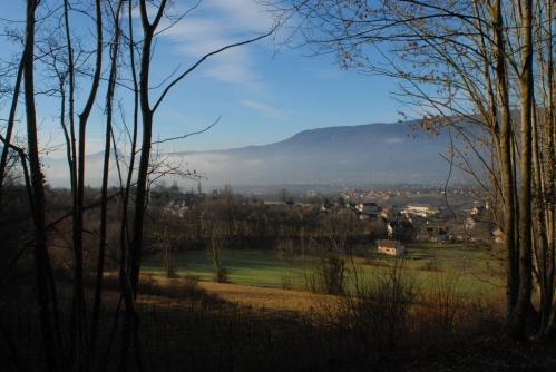 vue sur le haut d'Aix les Bains en Savoie