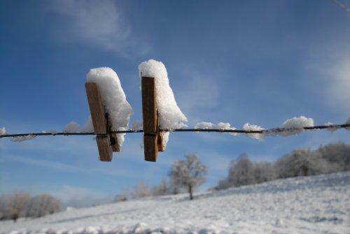 pince à linge au soleil de l'hiver
